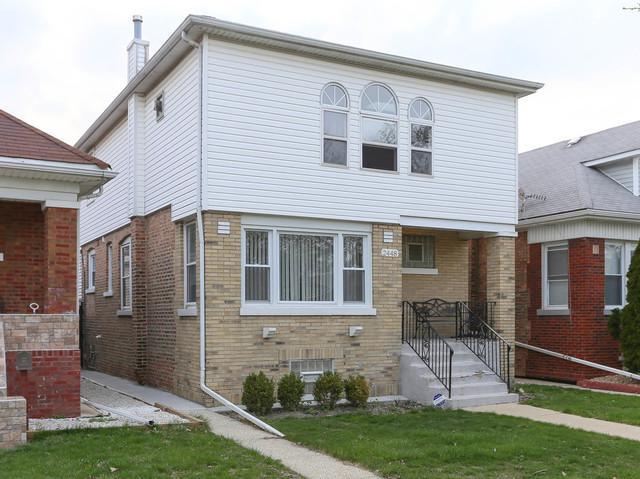 2448 N Mcvicker Avenue, Chicago, IL 60639 (MLS #10354132) :: The Dena Furlow Team - Keller Williams Realty