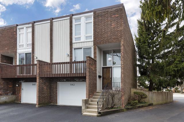 542 Skokie Boulevard, Wilmette, IL 60091 (MLS #10354412) :: Leigh Marcus | @properties