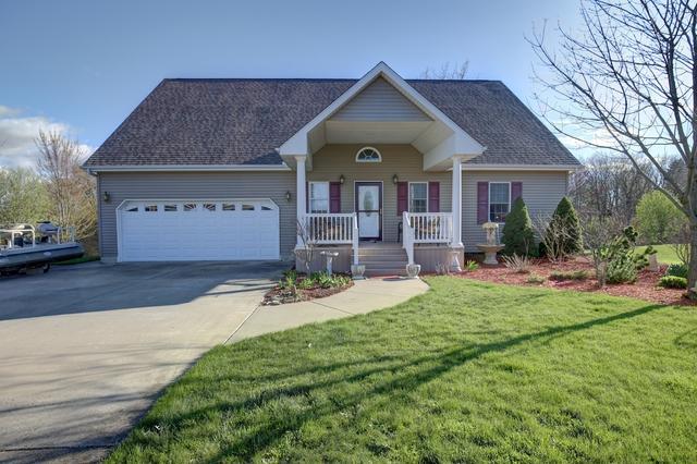 129 Comanche Trail, Loda, IL 60948 (MLS #10354484) :: Ryan Dallas Real Estate