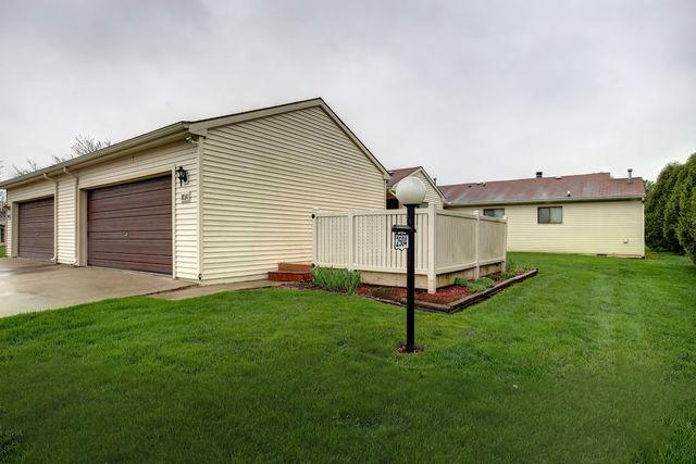 2504 Heritage Drive #2504, Champaign, IL 61822 (MLS #10354580) :: Berkshire Hathaway HomeServices Snyder Real Estate