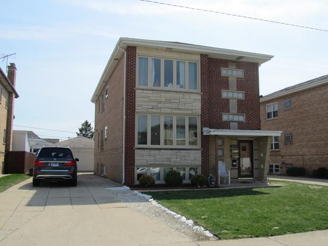 8353 W Berwyn Avenue, Chicago, IL 60656 (MLS #10354708) :: Helen Oliveri Real Estate
