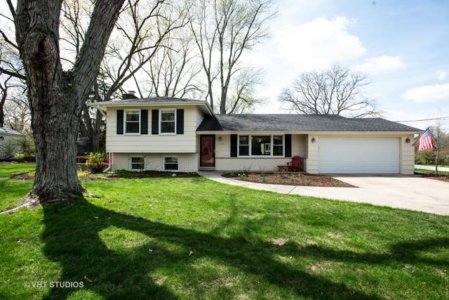 1S484 Bayberry Lane, Wheaton, IL 60189 (MLS #10355301) :: The Wexler Group at Keller Williams Preferred Realty