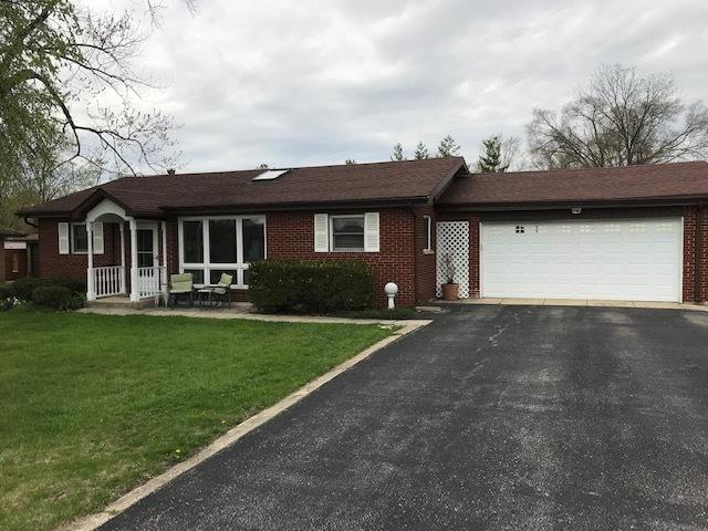 8728 W 96th Place, Palos Hills, IL 60465 (MLS #10355579) :: Leigh Marcus | @properties
