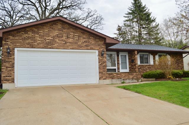 906 Royal Drive, Mchenry, IL 60050 (MLS #10355609) :: Ryan Dallas Real Estate