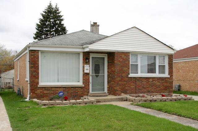 250 Eastern Avenue, Bellwood, IL 60104 (MLS #10355712) :: Leigh Marcus | @properties