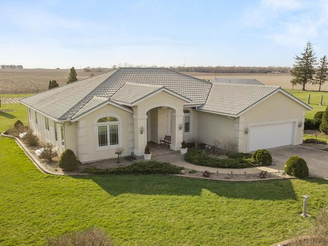 919 County Rd 2800 East, El Paso, IL 61738 (MLS #10355801) :: Berkshire Hathaway HomeServices Snyder Real Estate