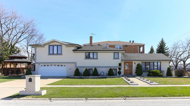 7955 W 80th Place, Bridgeview, IL 60455 (MLS #10356137) :: Leigh Marcus | @properties