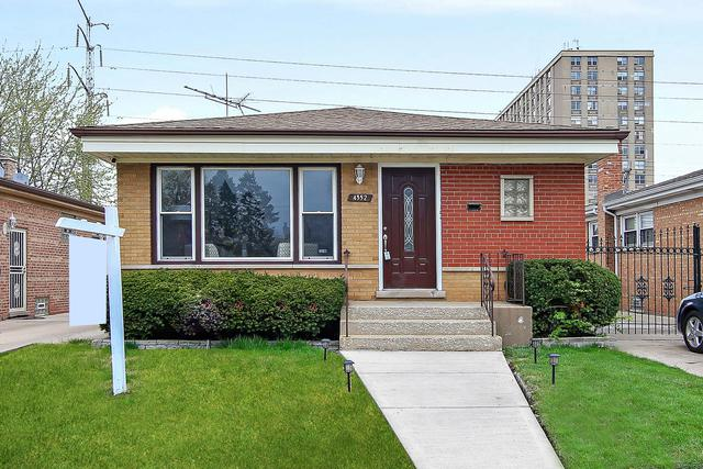 4352 W 77TH Place, Chicago, IL 60652 (MLS #10356212) :: Leigh Marcus | @properties