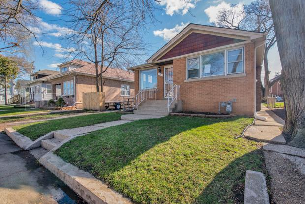 311 26th Avenue, Bellwood, IL 60104 (MLS #10356307) :: Leigh Marcus | @properties