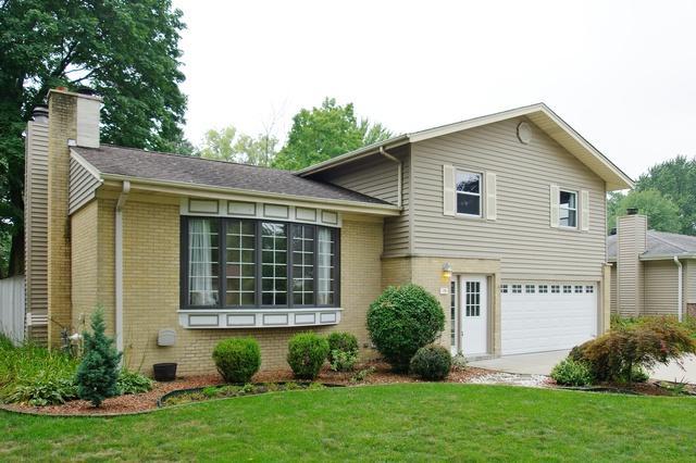15 Marquette Place, Buffalo Grove, IL 60089 (MLS #10356521) :: Helen Oliveri Real Estate