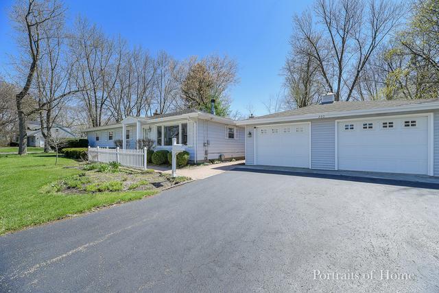 230 Oak Street, Geneva, IL 60134 (MLS #10356673) :: Helen Oliveri Real Estate