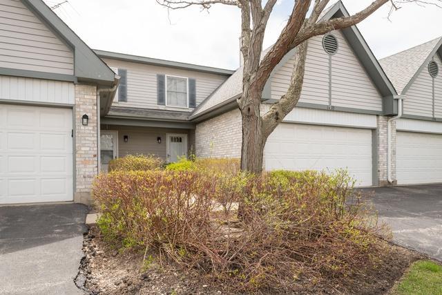 1490 Hazelwood Court, Gurnee, IL 60031 (MLS #10356792) :: Century 21 Affiliated