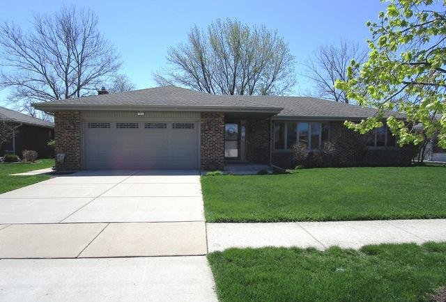 7825 Sycamore Drive, Orland Park, IL 60462 (MLS #10358398) :: Baz Realty Network | Keller Williams Elite
