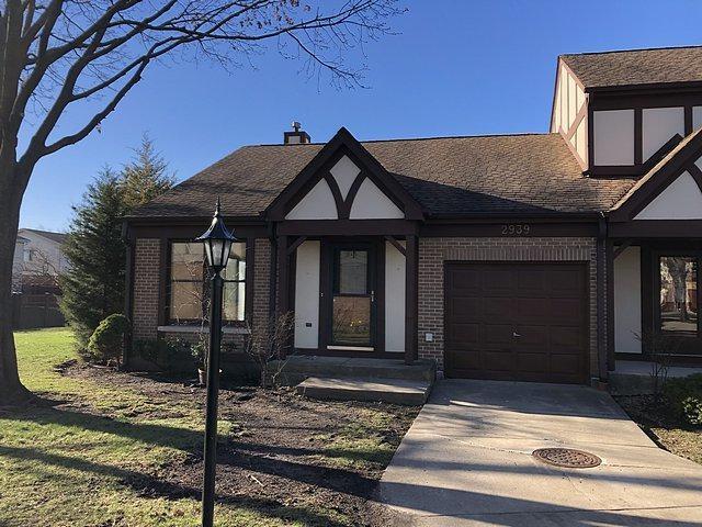 2939 Denton Court, Westchester, IL 60154 (MLS #10358555) :: Berkshire Hathaway HomeServices Snyder Real Estate