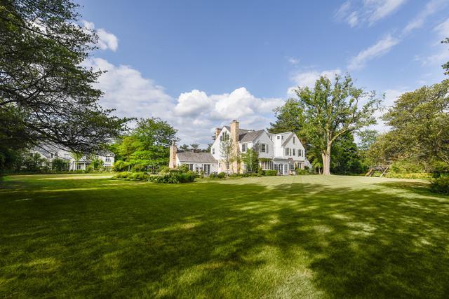 2315 Clover Lane, Northfield, IL 60093 (MLS #10358596) :: Helen Oliveri Real Estate