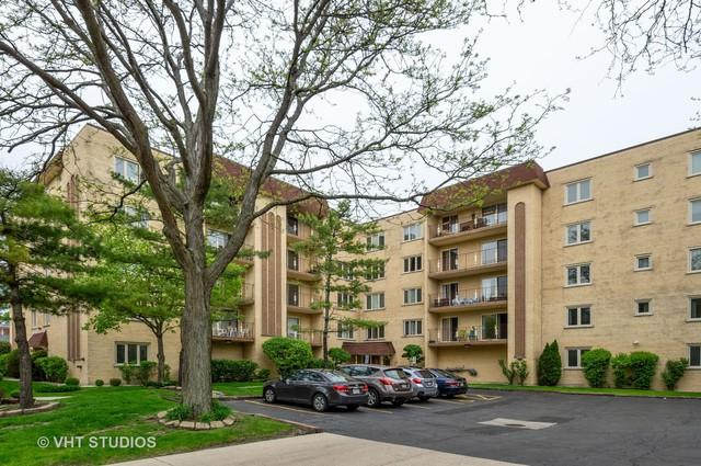 6460 W Belle Plaine Avenue #401, Chicago, IL 60634 (MLS #10361306) :: Berkshire Hathaway HomeServices Snyder Real Estate