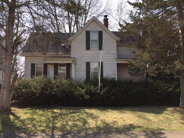 106 W Center Street, LEROY, IL 61752 (MLS #10362300) :: Berkshire Hathaway HomeServices Snyder Real Estate