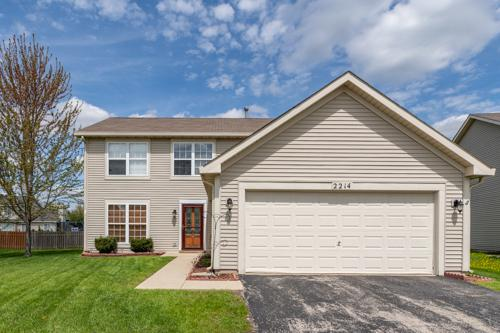 2214 Andrew Trail, Montgomery, IL 60538 (MLS #10362860) :: Berkshire Hathaway HomeServices Snyder Real Estate