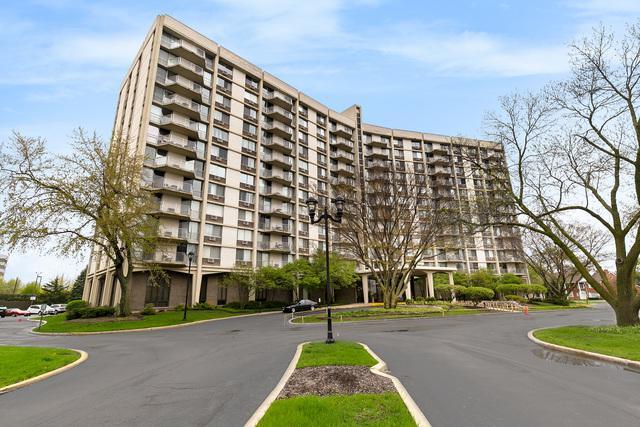 20 N Tower Road 2M, Oak Brook, IL 60523 (MLS #10363822) :: Century 21 Affiliated