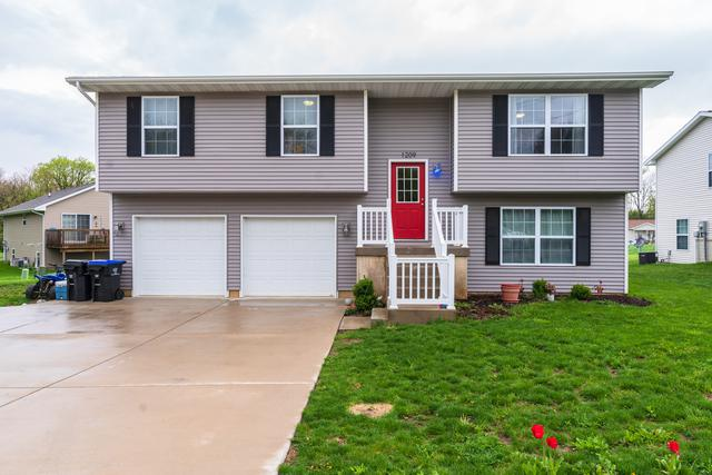 1209 Woodbury Place, Bloomington, IL 61701 (MLS #10364129) :: Berkshire Hathaway HomeServices Snyder Real Estate