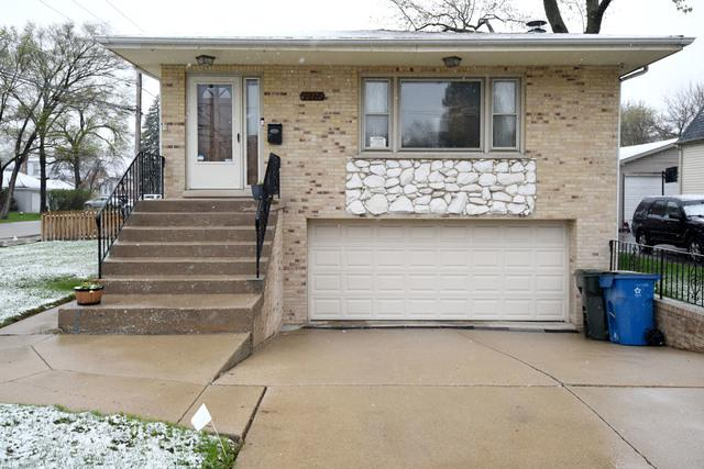10712 Wrightwood Avenue, Melrose Park, IL 60164 (MLS #10365835) :: Century 21 Affiliated