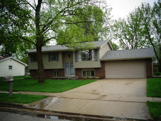1705 Tompkins Drive, Normal, IL 61761 (MLS #10365910) :: Berkshire Hathaway HomeServices Snyder Real Estate