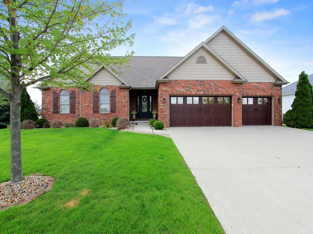 11 Caladonia Court, Bloomington, IL 61704 (MLS #10366300) :: Berkshire Hathaway HomeServices Snyder Real Estate