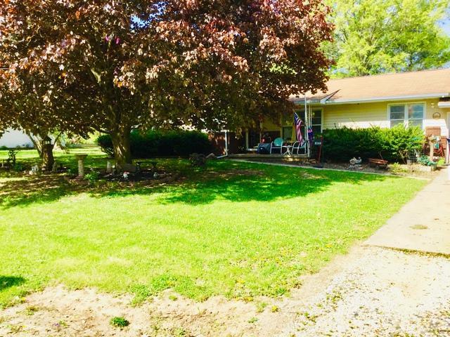 2142 Bonnie Lane, MONTICELLO, IL 61856 (MLS #10367022) :: Ryan Dallas Real Estate