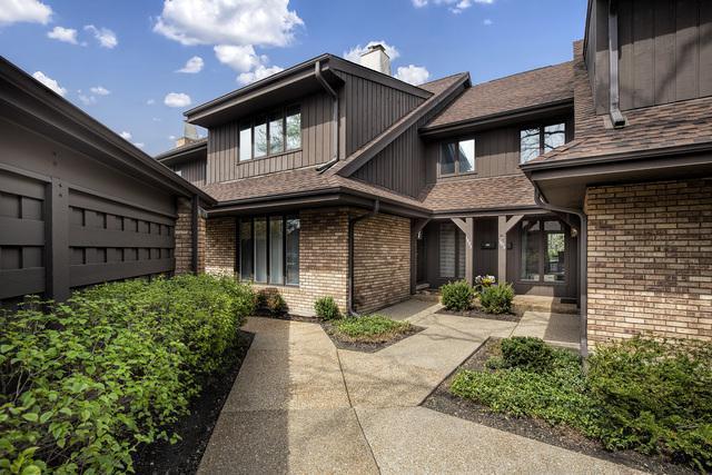 1895 Mission Hills Lane, Northbrook, IL 60062 (MLS #10367484) :: Berkshire Hathaway HomeServices Snyder Real Estate