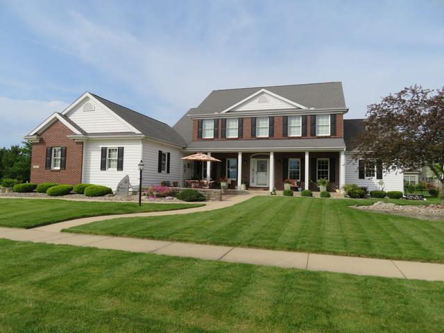 2609 Wadsworth Lane, Urbana, IL 61802 (MLS #10368419) :: The Mattz Mega Group