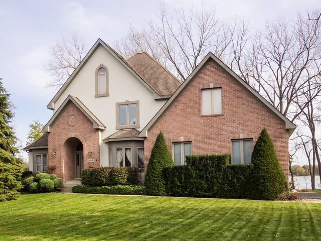 1 W Shore Drive, Grayslake, IL 60030 (MLS #10369102) :: Berkshire Hathaway HomeServices Snyder Real Estate