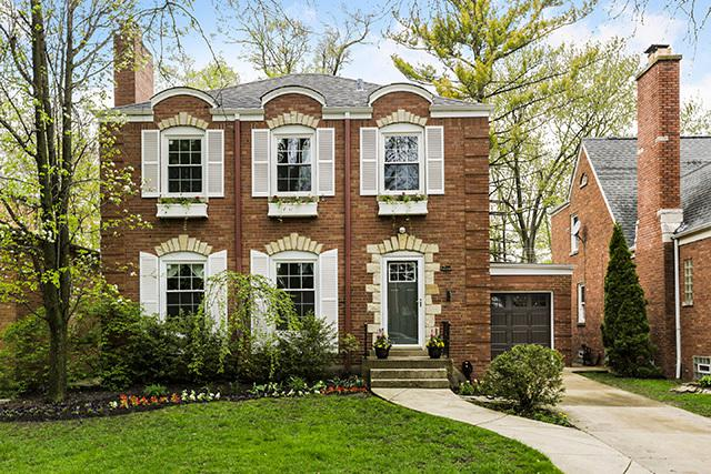 6336 N Lenox Avenue, Chicago, IL 60646 (MLS #10369130) :: Berkshire Hathaway HomeServices Snyder Real Estate