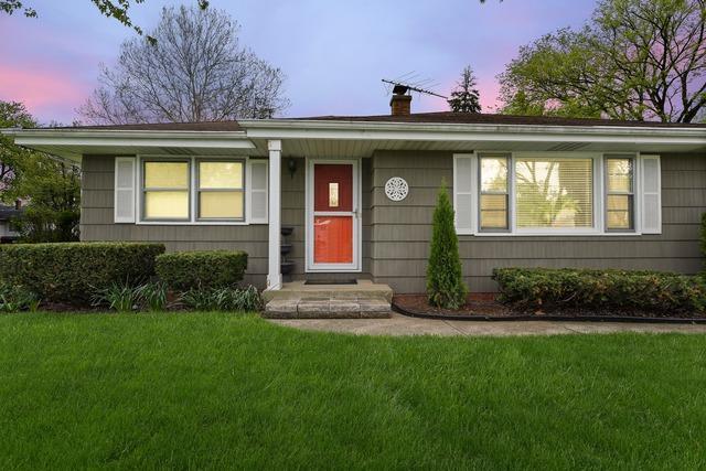 447 S Linden Avenue, Westmont, IL 60559 (MLS #10369449) :: Lewke Partners