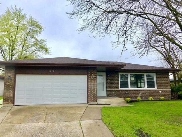 19921 Terrace Avenue, Lynwood, IL 60411 (MLS #10370704) :: Century 21 Affiliated
