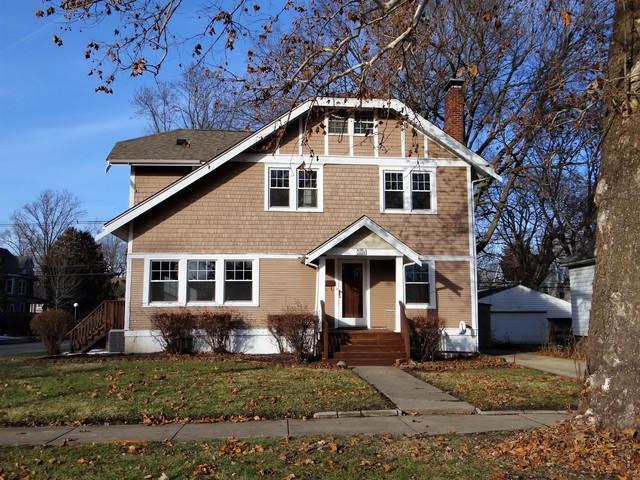 1120 W Park Avenue, Champaign, IL 61821 (MLS #10371040) :: Ryan Dallas Real Estate