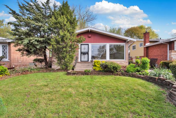 1204 E 85th Street, Chicago, IL 60619 (MLS #10371053) :: Berkshire Hathaway HomeServices Snyder Real Estate