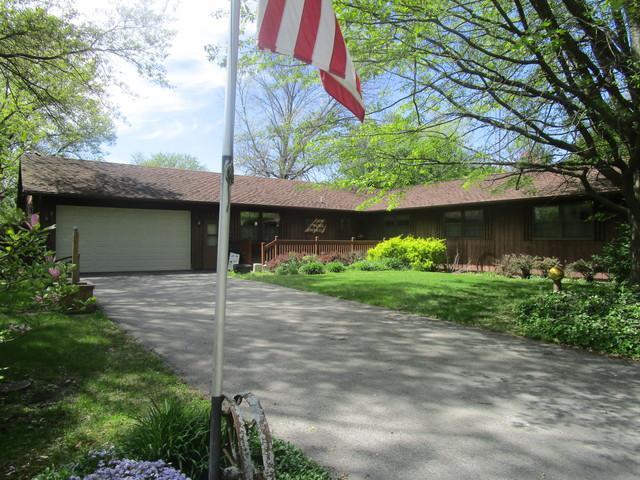 520 N Richman Street, VILLA GROVE, IL 61956 (MLS #10371265) :: Ryan Dallas Real Estate