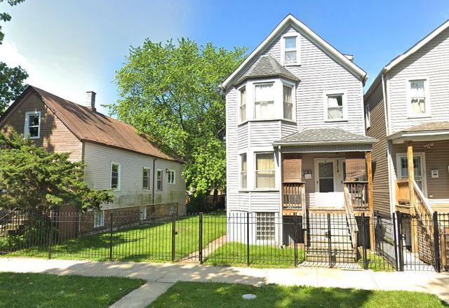 8214 S Marquette Avenue, Chicago, IL 60617 (MLS #10371713) :: The Mattz Mega Group