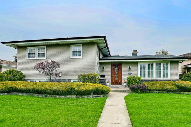 1435 Phoenix Drive, Des Plaines, IL 60018 (MLS #10371845) :: Berkshire Hathaway HomeServices Snyder Real Estate
