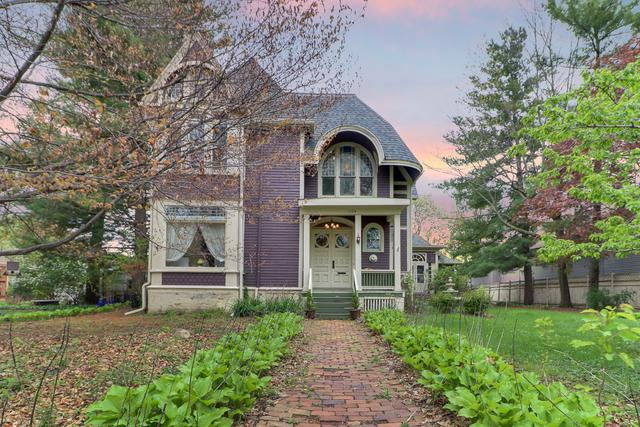1104 E Jefferson Street, Bloomington, IL 61701 (MLS #10371945) :: Berkshire Hathaway HomeServices Snyder Real Estate