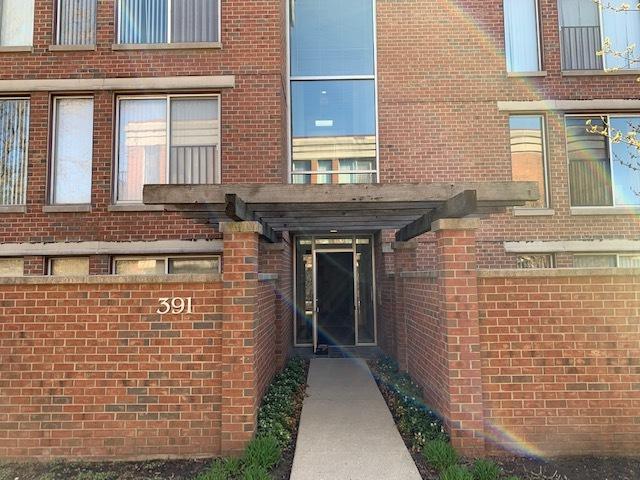 391 Kelburn Road #112, Deerfield, IL 60015 (MLS #10372310) :: Berkshire Hathaway HomeServices Snyder Real Estate
