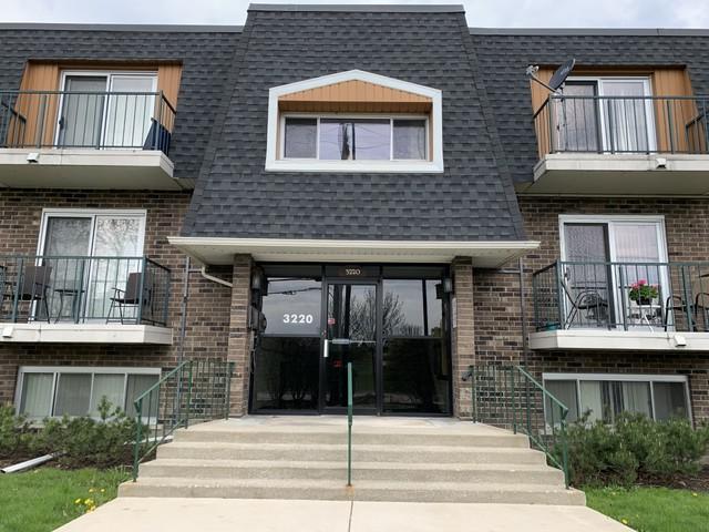 3220 Sanders Road 2B, Northbrook, IL 60062 (MLS #10373144) :: Berkshire Hathaway HomeServices Snyder Real Estate