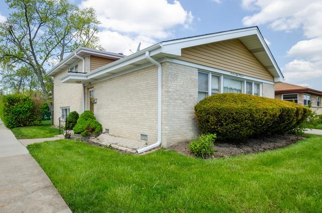 7800 Crawford Avenue, Skokie, IL 60076 (MLS #10373617) :: Helen Oliveri Real Estate
