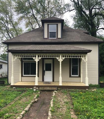 105 W Sherman Street, ST. JOSEPH, IL 61873 (MLS #10374046) :: Littlefield Group