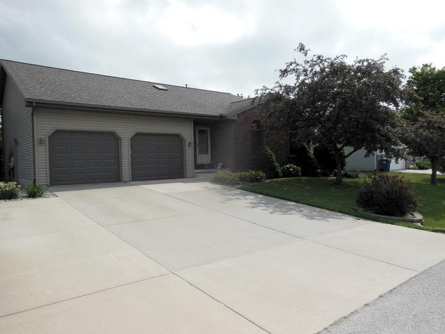 803 Hollie Drive, HEYWORTH, IL 61745 (MLS #10374828) :: Berkshire Hathaway HomeServices Snyder Real Estate