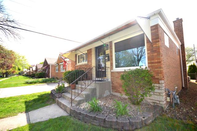 2218 Forest Avenue, North Riverside, IL 60546 (MLS #10375377) :: Domain Realty
