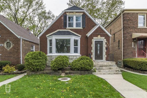 8622 S Dante Avenue, Chicago, IL 60619 (MLS #10375805) :: Berkshire Hathaway HomeServices Snyder Real Estate