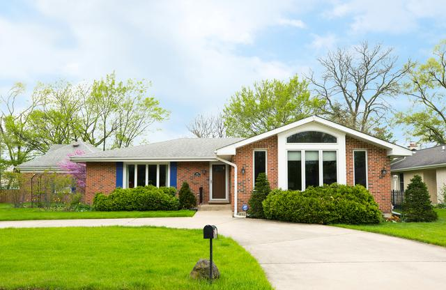 832 Calleview Drive, La Grange, IL 60525 (MLS #10376386) :: Berkshire Hathaway HomeServices Snyder Real Estate