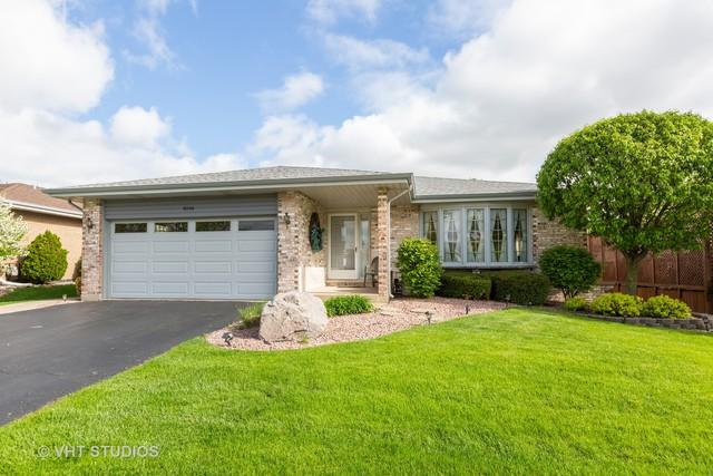 9240 W 169th Place, Orland Hills, IL 60487 (MLS #10376790) :: Berkshire Hathaway HomeServices Snyder Real Estate