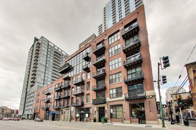 300 W Grand Avenue #305, Chicago, IL 60654 (MLS #10377077) :: Domain Realty